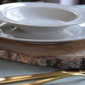 ślub rustykalny, ślub boho, ślub al fresco, plastry drewna, dekoracja stołu, drewniana dekoracja