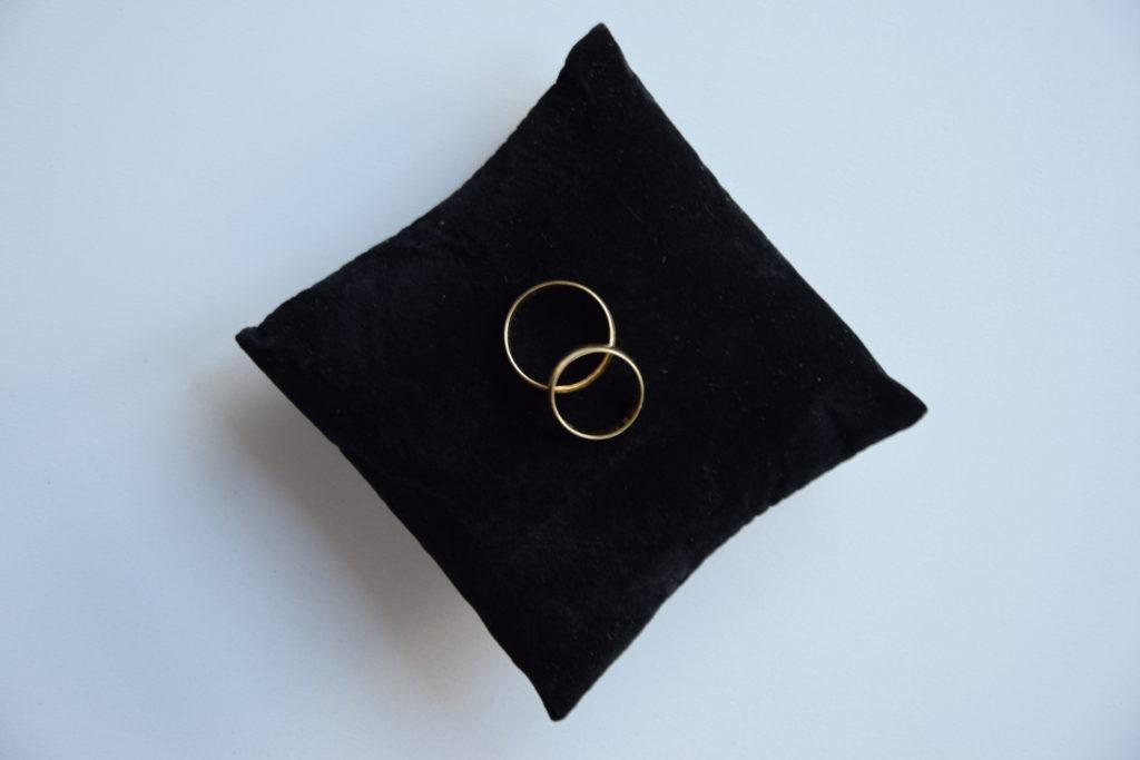 pudełko na obrączki, szkatułka na obrączki, obrączki, ślub, ceremonia, poduszka na obrączki