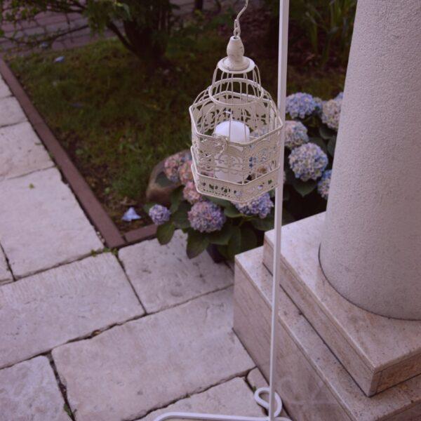 stojak metalowy, stojak kuty, stojak biały, stojak dekoracyjny, dekoracja kościoła, szpaler, ozdoba stojąca, alejka ślubna,