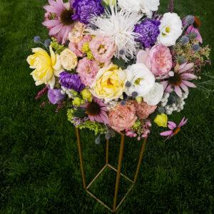 stojak geometryczny, stojak na kwiaty, złoty stojak, postument, dekoracja stołu